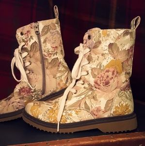 Floral Boots 8.5 / 9
